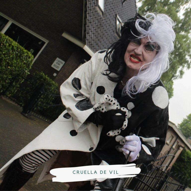 levend standbeeld dalmatiers cruella de vil