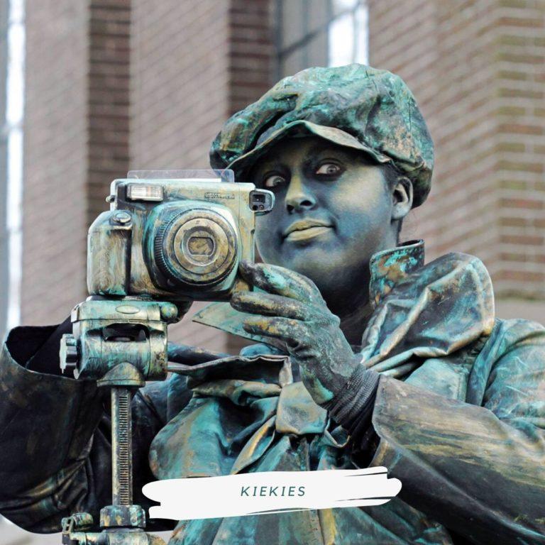 levend standbeeld fotograaf kiekies